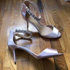 Brand new beautiful heels size 8